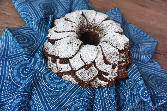 Dreierlei Schokolade-Gugelhupf