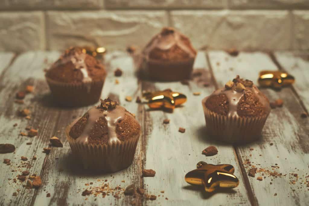 Glühweinmuffins mit gebrannten Mandeln