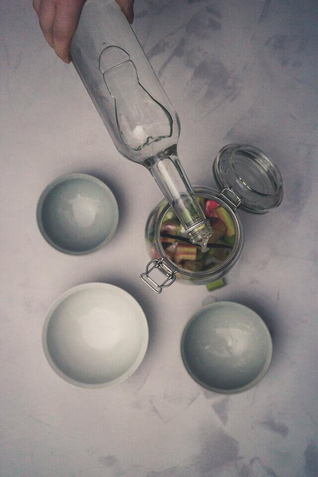 Rhabarber-Vanille-Likör