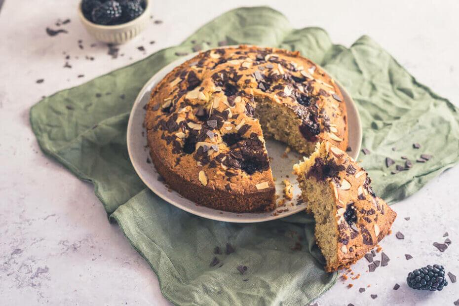 Brombeer-Nuss-Kuchen